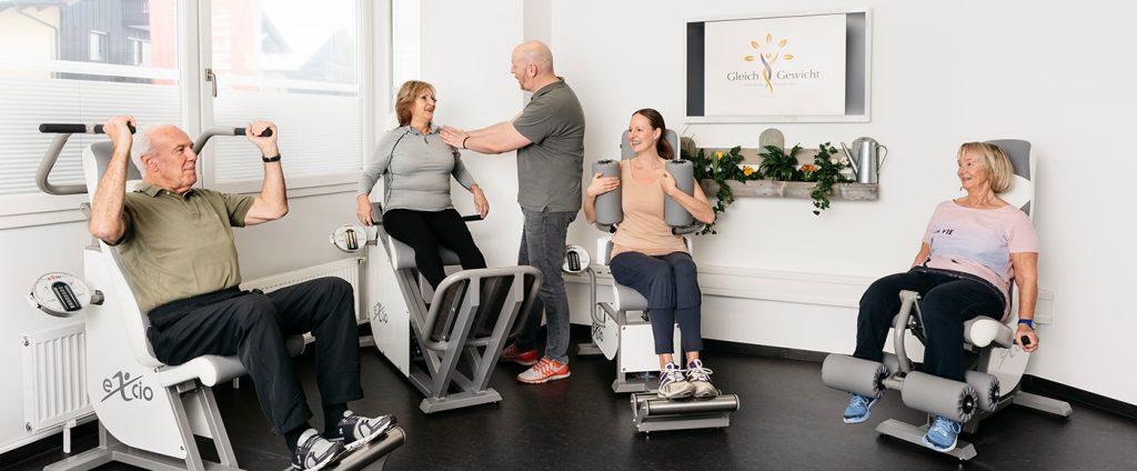 gleichgewicht-physiotherapie-beratung-fitnesstraining-fitnesszirkel-prien fitnessraum